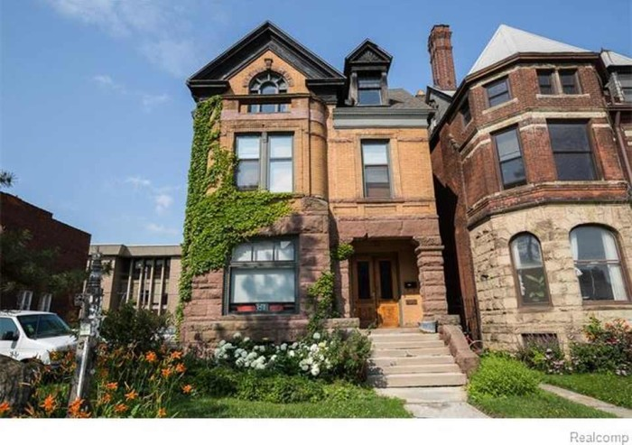 9) Midtown Detroit mansion
