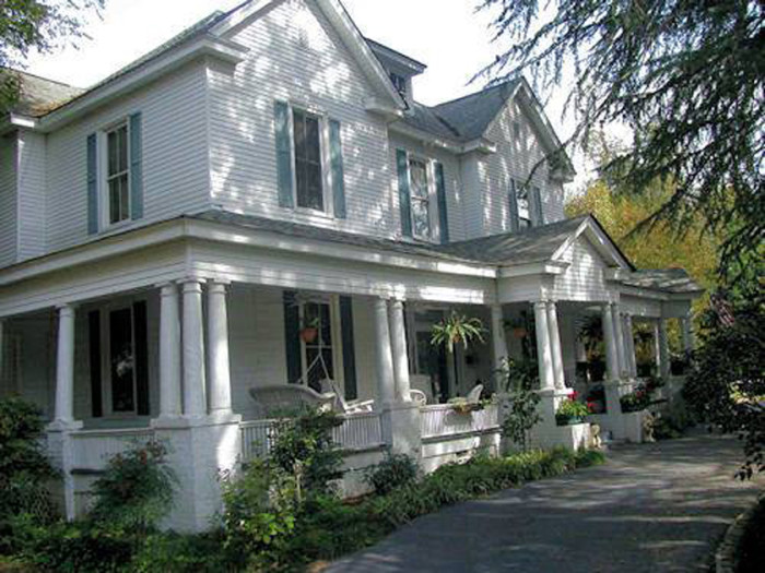 15. Heartside Manor Bed and Breakfast, Abbeville