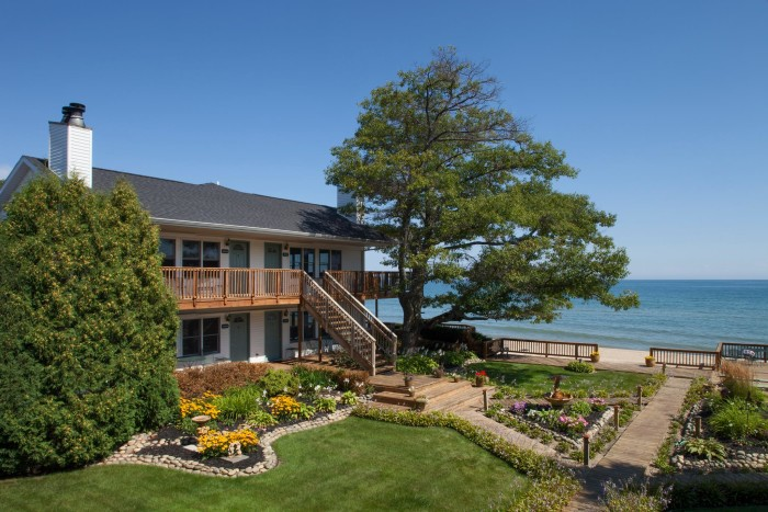 8) Huron House Bed and Breakfast, Oscoda