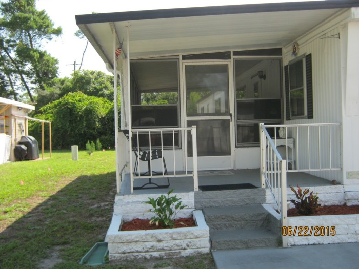 5. This 2 bedroom, 2 bathroom home located in Pickwick Village in Port Orange is available for only $9,500.