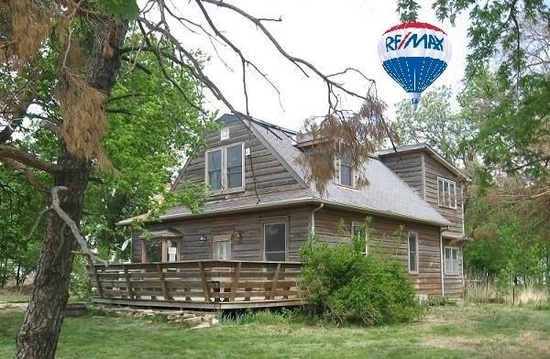 1. Historic 1928 3-bed, 2-bath home in Blue Rapids