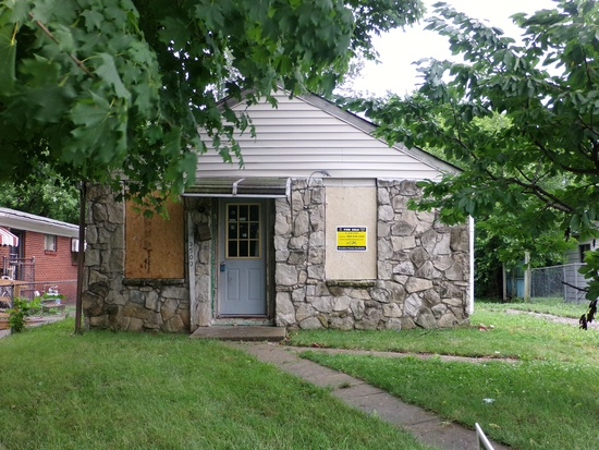 8. If you are looking to buy and flip a house for some money the house at 3503 E Morris St is the one from you. It's in a great school zone and it's adorable on the outside. It features 1 bedroom and 1 bathroom. Making it a fairly small home ideal for someone living alone.