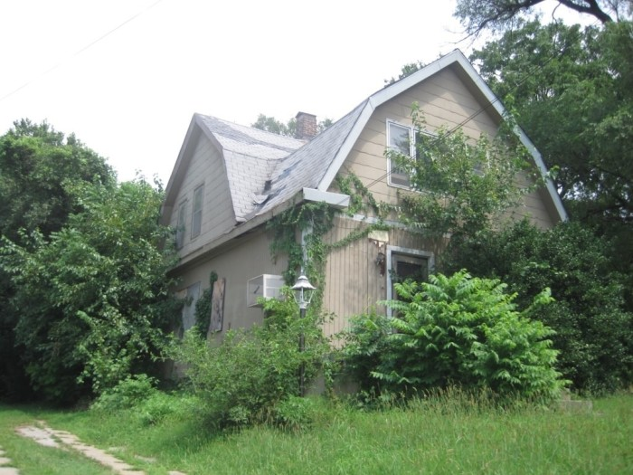 3. The 3-bed, 1.5 bath Kansas City home in search of a little TLC