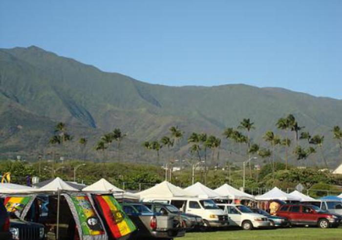 2) Maui Swap Meet, Maui