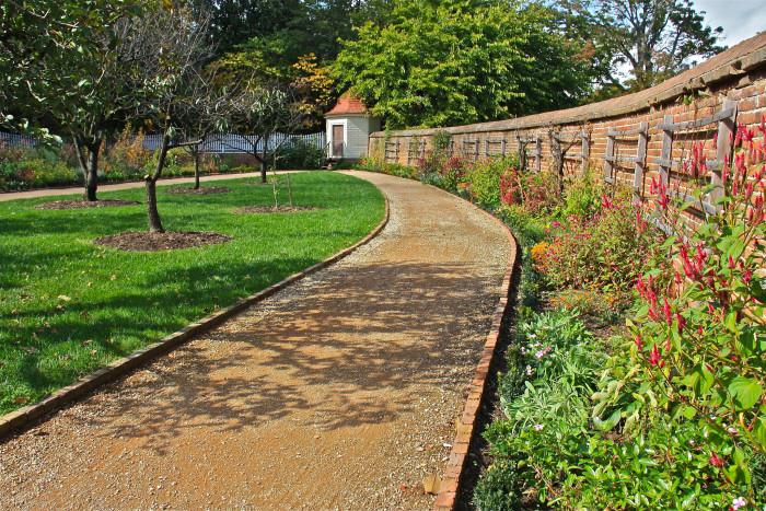 Mt Vernon garden wall