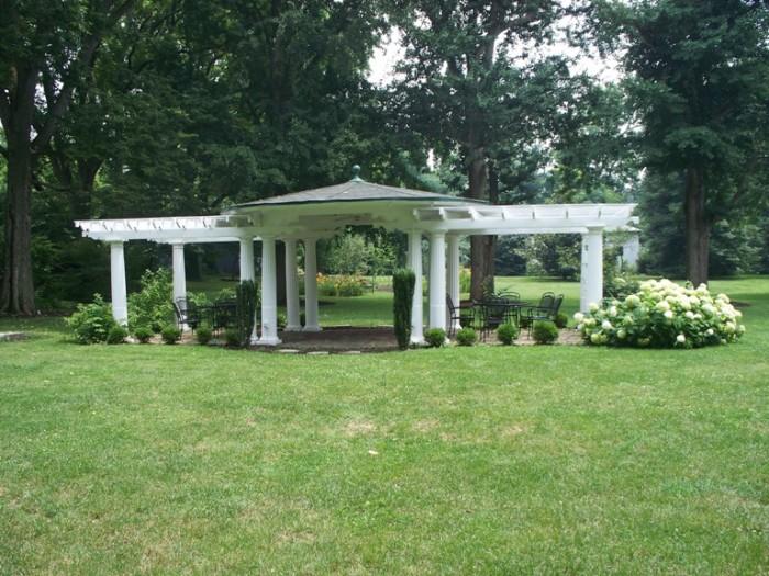 7. Nannine Clay Wallis Arboretum