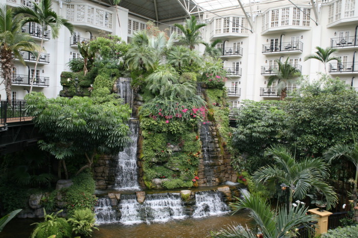 4) Gaylord Opryland Hotel - The Delta and the Cascade Conservatory