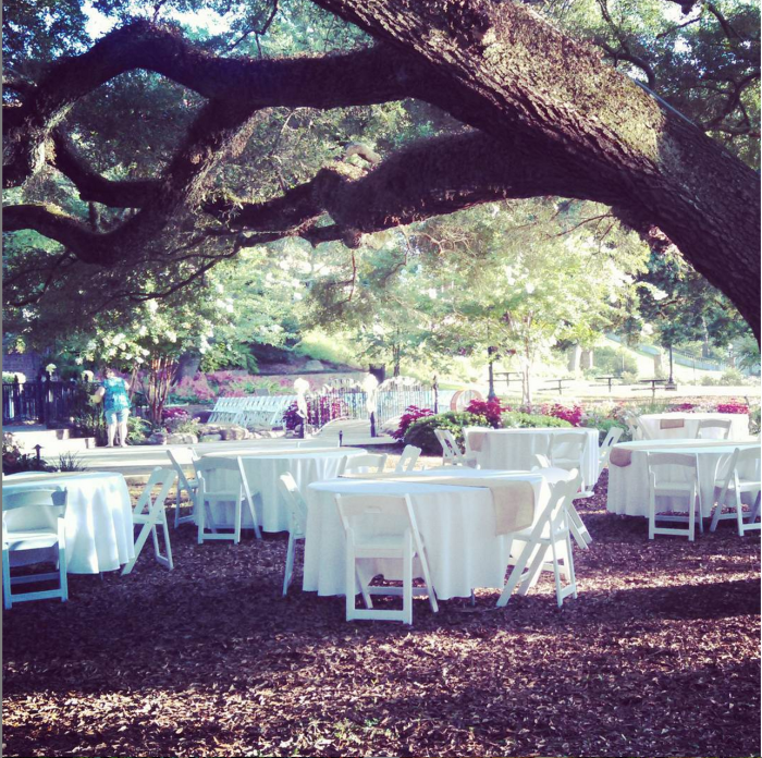 11 amazing places to get married in louisiana for Beau jardin natchitoches la