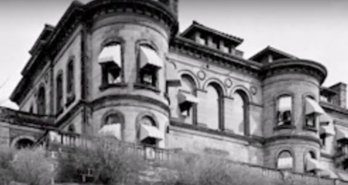 6. For a long time, the most haunted house in the nation was located in Pittsburgh.