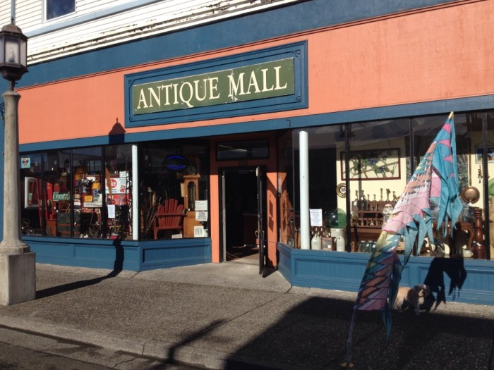 You Can Find Amazing Antiques At These 10 Places In Oregon