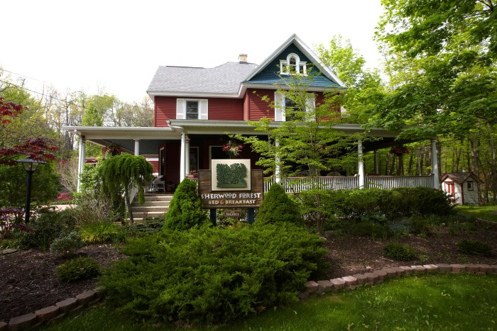 4) Sherwood Forest Bed and Breakfast, Saugatuck