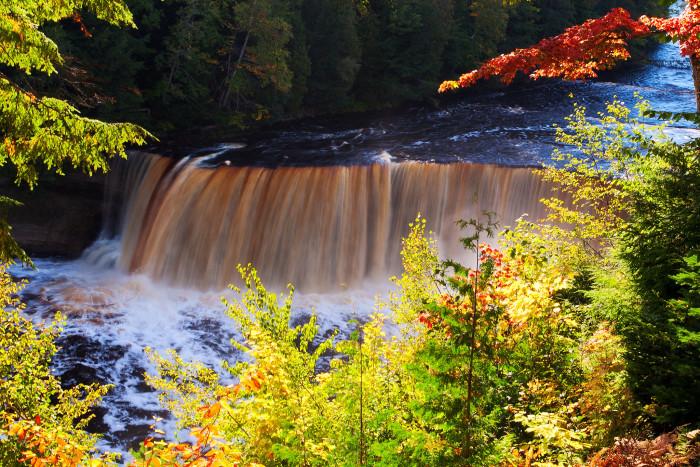 6) Upper Tahquamenon Falls