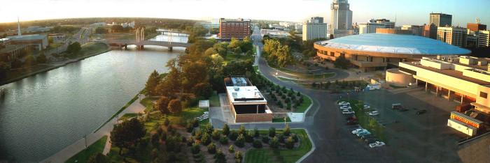 2. Wichita (Population: 386,486)