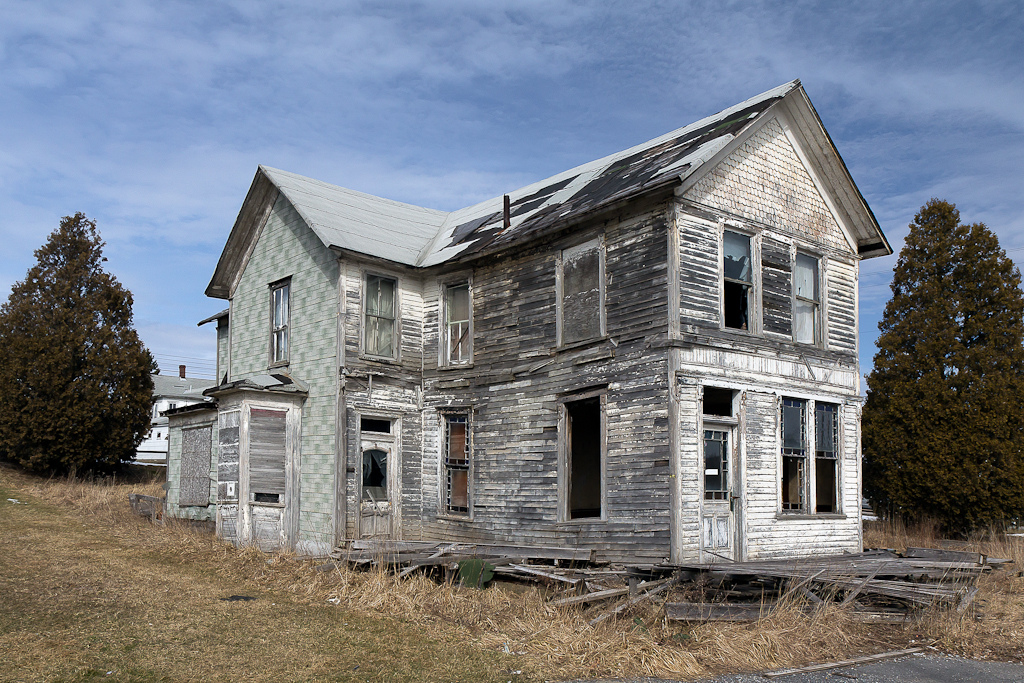 8 Creepy Houses In West Virginia That Could Be Haunted