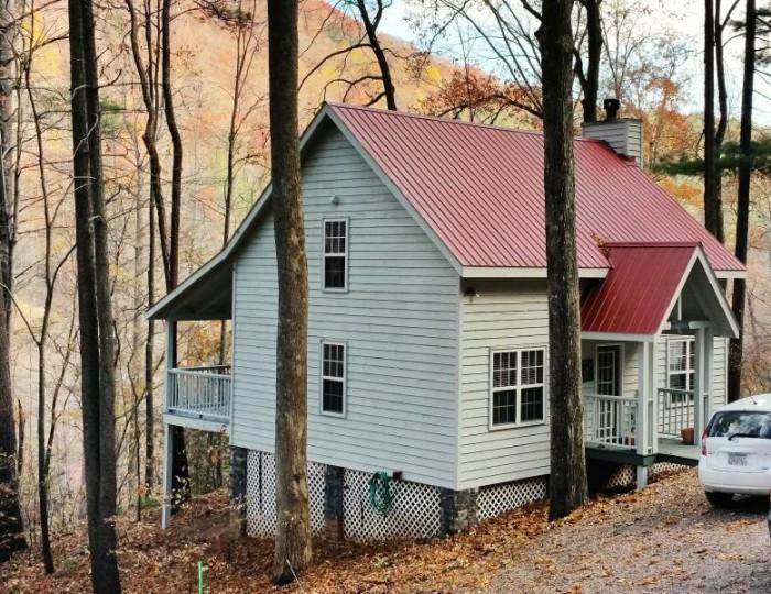 4. North Georgia Mountain Cabin in Blairsville, GA