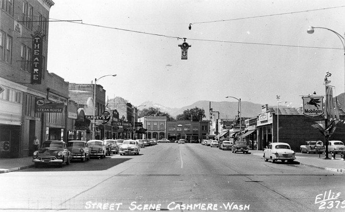 4. Downtown Cashmere in the 1940s.