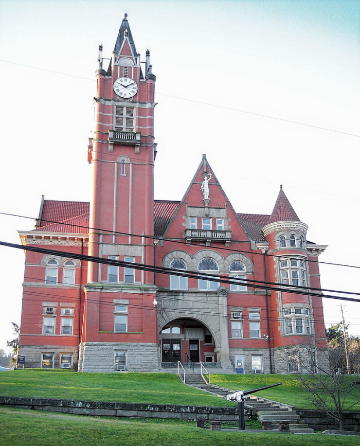 3. Doddridge County is the third poorest county in West Virginia.