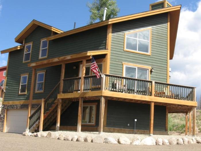 2. Coachman House (Grand Lake)