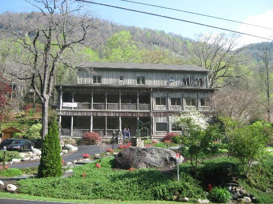 5. The Esmeralda Inn and Restaurant, Chimney Rock
