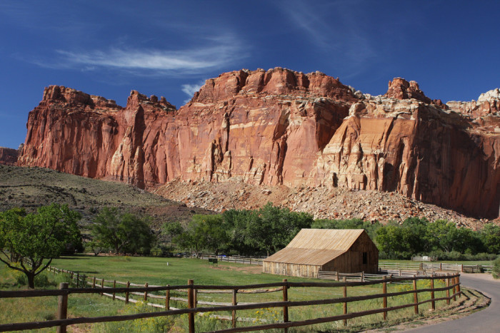 You Will Fall In Love With These 17 Beautiful Barns In Utah
