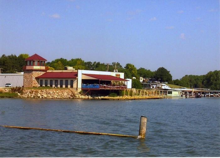 Navigators Restaurant & Lounge, Republican City