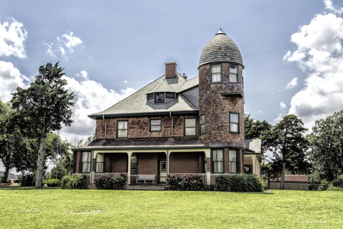 5. A.J. Seay Mansion: Kingfisher