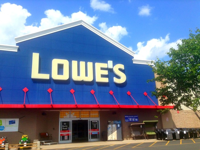 3. Lowes Worker.