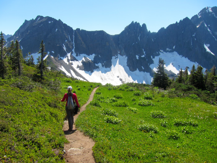 20. Sahale Arm/Cascade Pass Trail