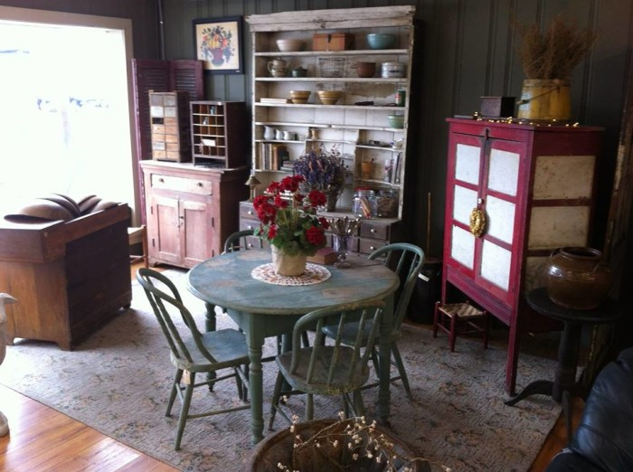 5. Thymeworn Antiques and Primitives in Lewisburg