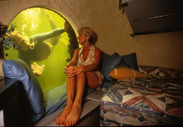 8. Jules Undersea Lodge