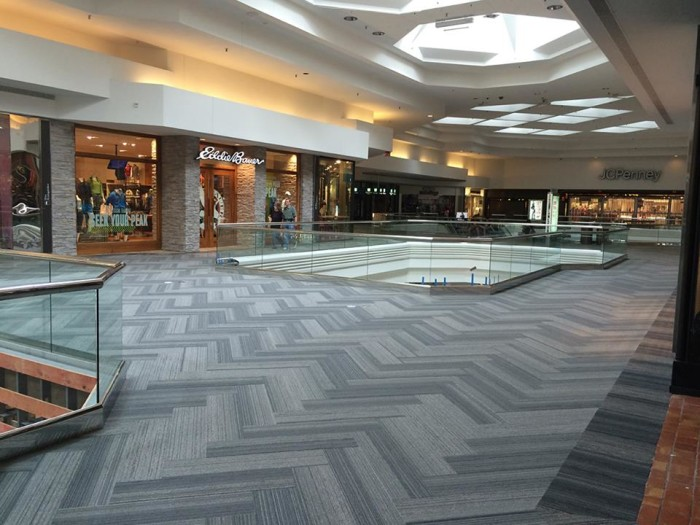 10. Woodfield Mall (Schaumburg)
