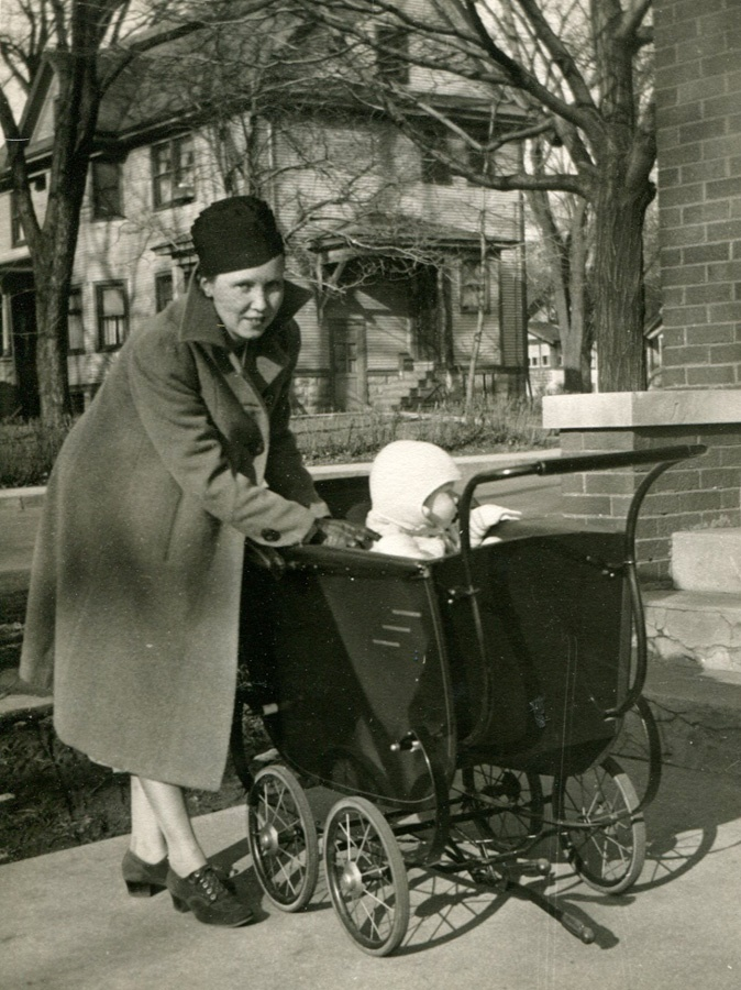 2. Mother and son, Rockford (1937)