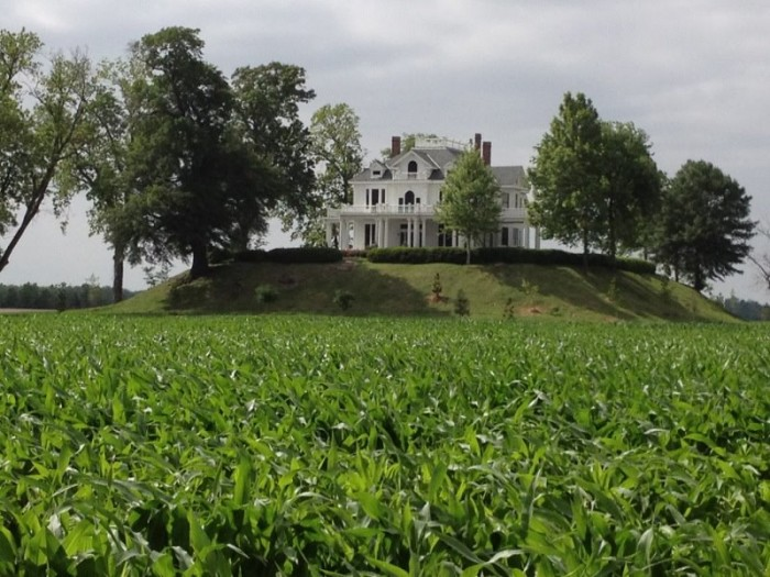 1. One of the oldest and longest scenic byways in the country, the Great River Road (Highway 61) is made up of beautiful views and several historically significant sites, such as Mont Helena.