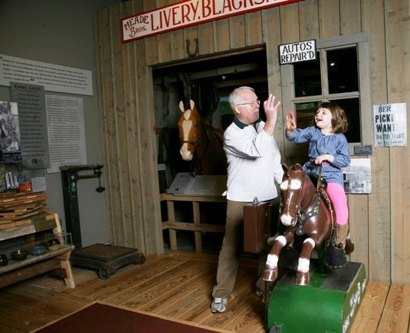 10.	White River Valley Historical Society Museum, Forsyth