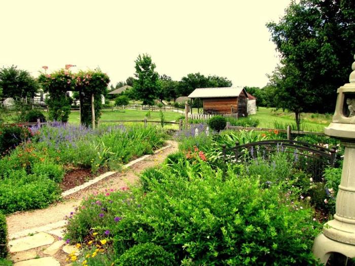 9) East Texas Arboretum & Botanical Society