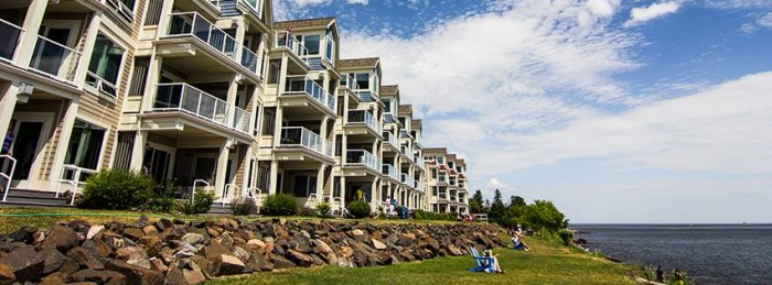12. Beacon Pointe Resort on Lake Superior is the ultimate Duluth destination, right on the water, and with luxurious accommodations for any occasion.