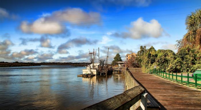 16. Darien River