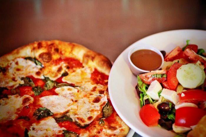 5. Pino's Pizza Al Centro, Phoenix