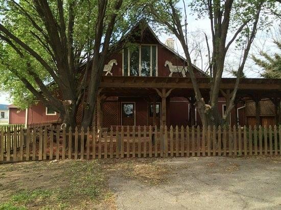 6. Stroud's Restaurant & Bar (Wichita)