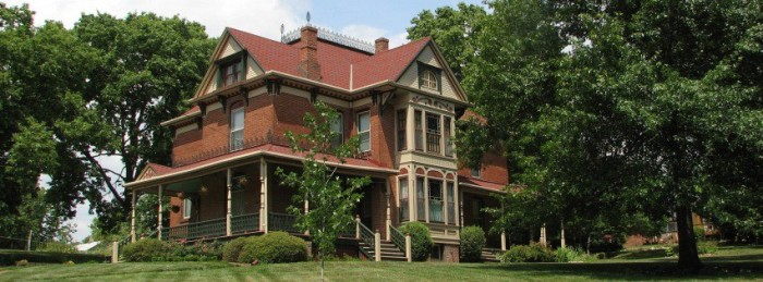 11.Stone-Yancey House Bed and Breakfast, Liberty