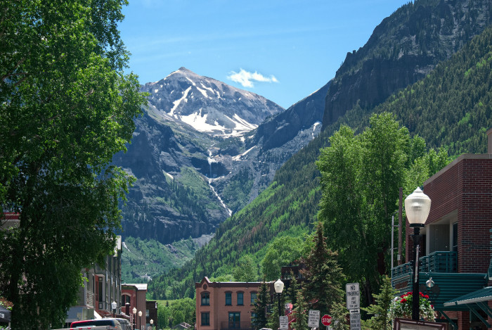 Garden Of The Gods Colorado Springs Co >> These 10 Towns In Colorado Have The Best Scenery