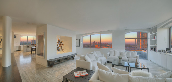 7) Whoa..what a jaw-dropping view of Houston from the Regency Penthouse!