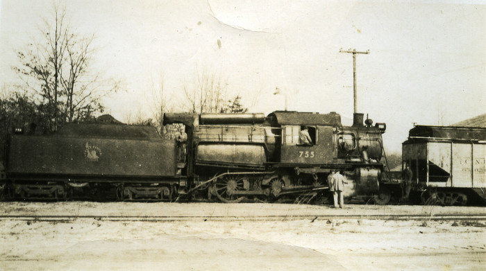 11. Though you can't ride or even visit this train, locomotive lovers will appreciate this shot of a Jersey Central Railway train circa 1940.