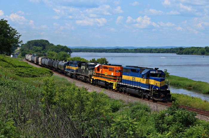 5. RCPE 6055 leads CP 470 along the river on this amazingly clear day.