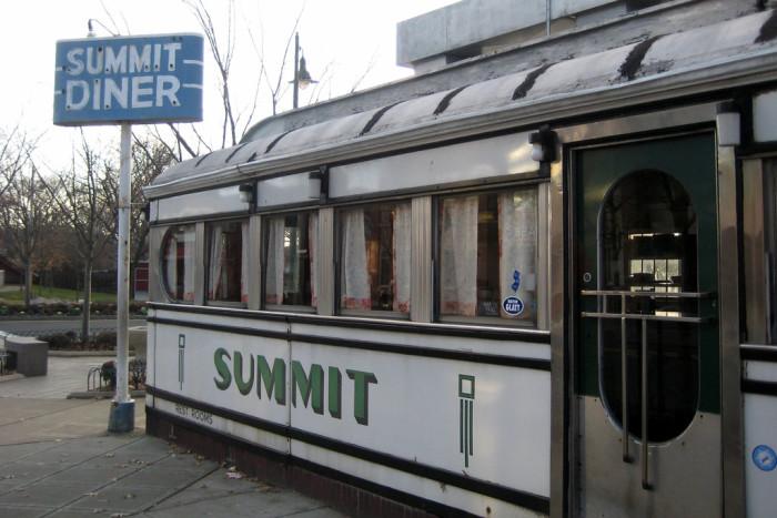1. Summit Diner, Summit