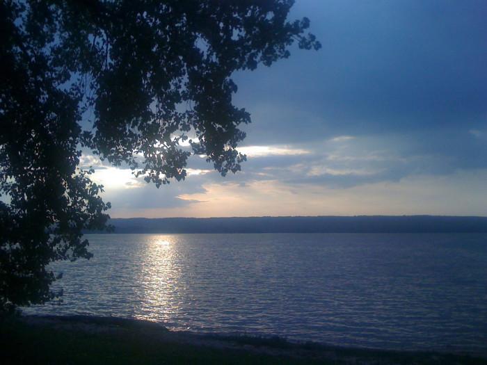The 10 best waterfront spots in alabama for Lake guntersville fishing hot spots