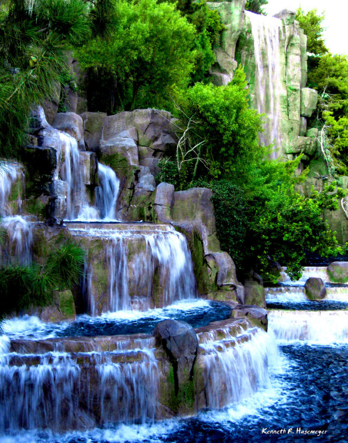 2. Wynn Waterfall at Wynn Las Vegas Resort