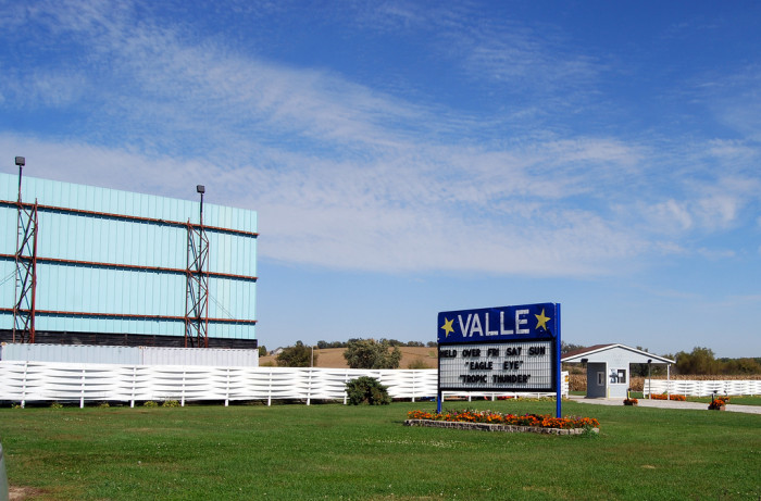 3. Valle Drive in, Newton