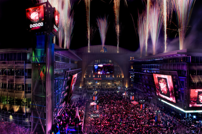 11) A lively New Year's celebration captured from the W Hotel in downtown Dallas...what a wonderful view of the party!