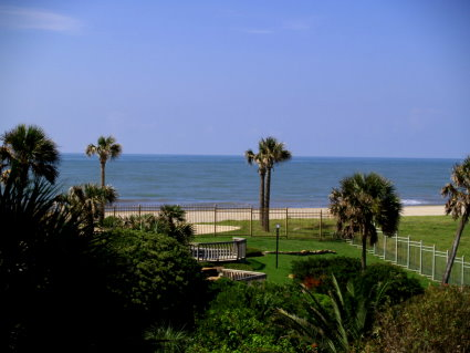 5) Galveston is looking mighty nice right now, especially with these taunting views of the Gulf from the Maravilla condos!